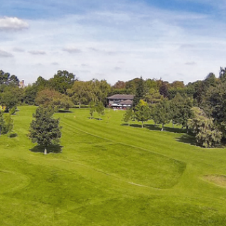 Wide shot of the Par 3 Golf Centre Letchworth
